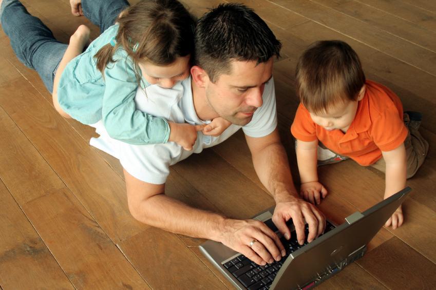 Отцовство оказывает влияние на карьеру не меньшее, чем материнство