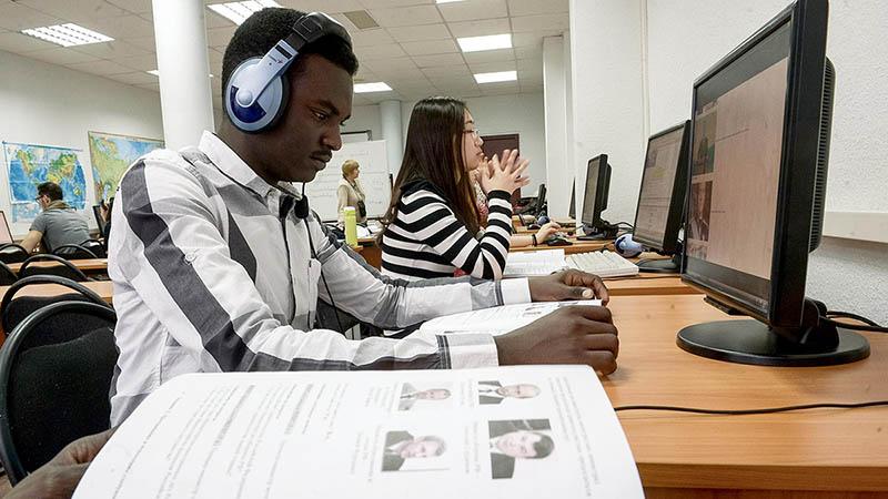 Какие специальности наиболее популярны у иностранных студентов в России